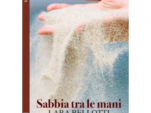 Recensione Sabbia tra le mani – a cura di Elisa Cappelli
